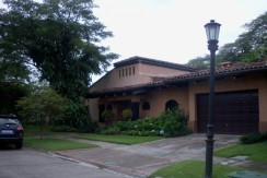 House for Sale in Bosque de Lindora Santa Ana